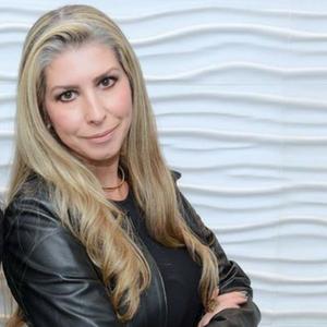 Claudia Pimentel Bueno