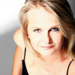 Claudia Sovierzoski, Diretora de Ação Social